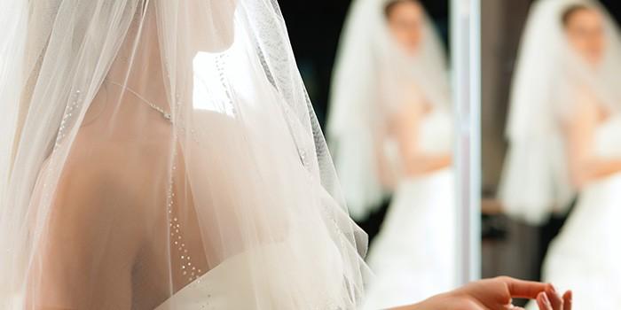 Wanneer Trouwjurk Kopen.10 Misverstanden Over Het Kopen Van Een Bruidsjurk La Nova